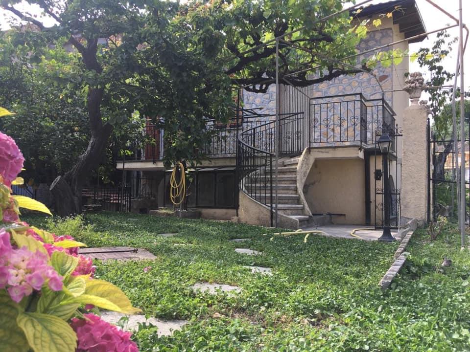 Ventimiglia frazione San Lorenzo vendesi casa indipendente